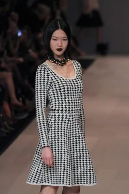 How to style me - capsule wardrobe - Full skirt