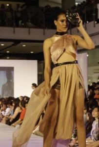Capsule wardrobe essential pieces Shorts & belt